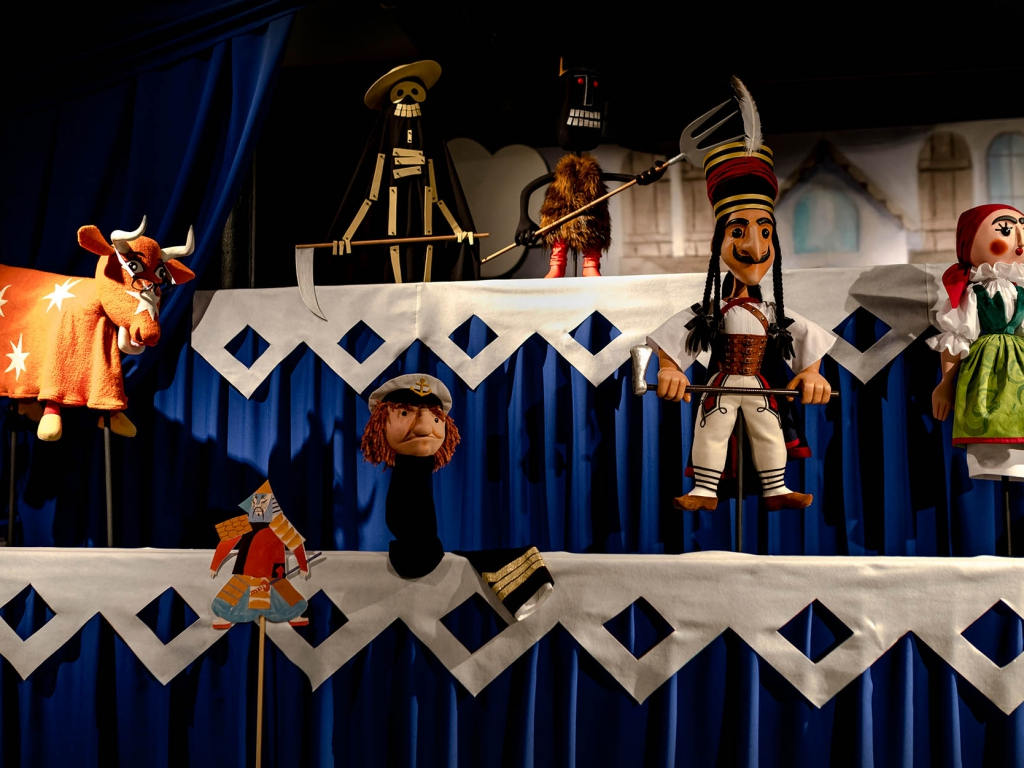 Programming the puppet. Ali Bunsch in the collection of the Centre for Polish Scenography